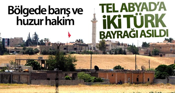 Tel Abyad'a iki Türk bayrağı asıldı