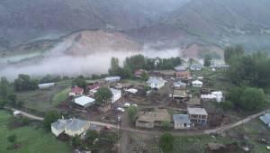 Bingöl'deki depremin boyutu gün ağarınca ortaya çıktı