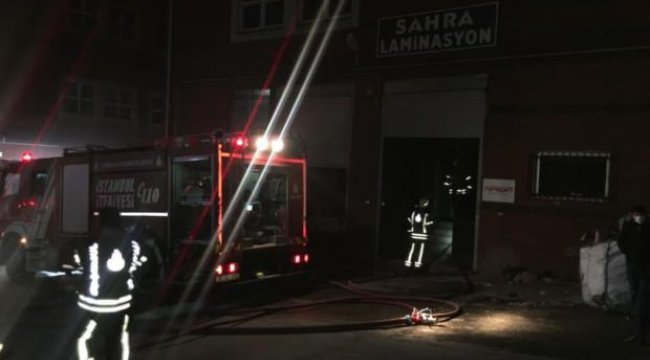 İkitelli'de ayakkabı fabrikasında yangın paniği