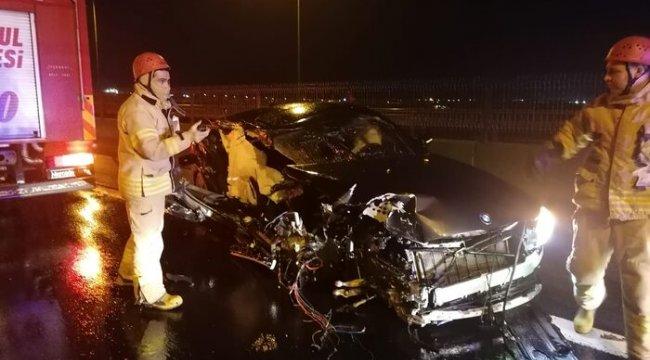 İstanbul'da feci kaza! Lüks araç hurdaya döndü