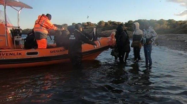 Türk kara sularına itilen 71 sığınmacı kurtarıldı