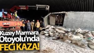 Kuzey Marmara Otoyolu'nda alçı yüklü tır devrildi