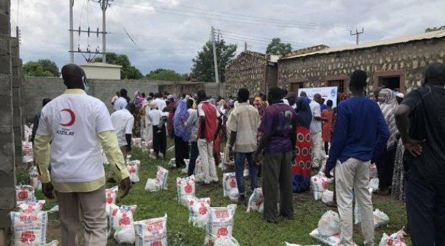 Türk Kızılay'dan Güney Sudan'da yetimhanedeki öğrencilere kırtasiye desteği
